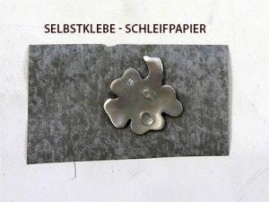 selbstklebendes Schleifpapier ist praktisch für die Arbeit mit Metal Clays